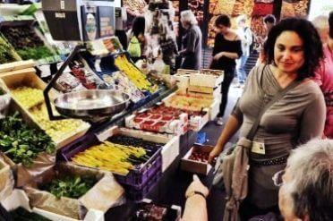 Marta guiding in La Boqueria Market