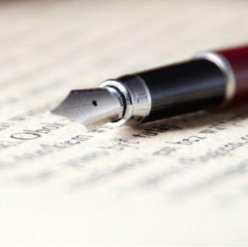 fountain pen writing a blog post