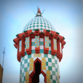 Tower at the rooftop of Casa Vicens