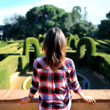 Lady on a tour of the Barcelona gardens