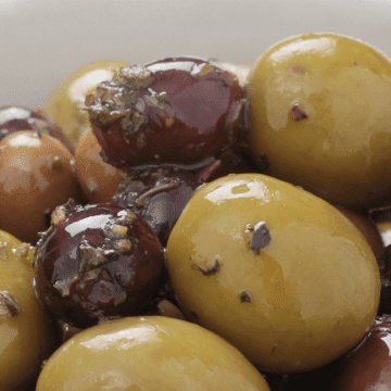 Olive, a great gift to bring from Spain