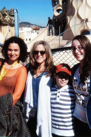 Mother, children and guide on our Barcelona 3 day tour