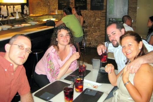 Guests and guide on a flamenco and tapas Barcelona tour