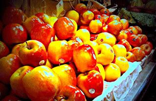Apples in Barcelona Boqueria Market