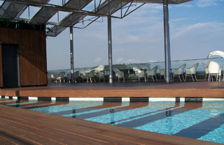 hotels with a pool in barcelona