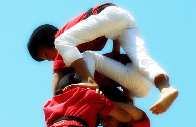Castellers performance: the kids