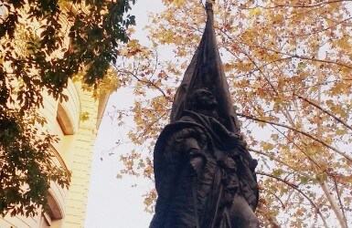 Statue visited during La Diada in Barcelona
