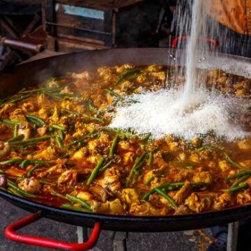 Example of what is paella española