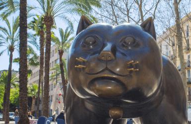 Cat sculpture by Fernando Botero in Rambla del Raval