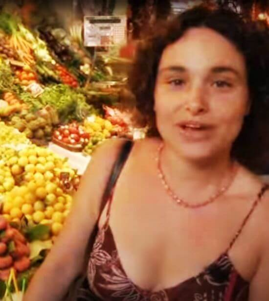 Tour guide on a private market tour of Barcelona