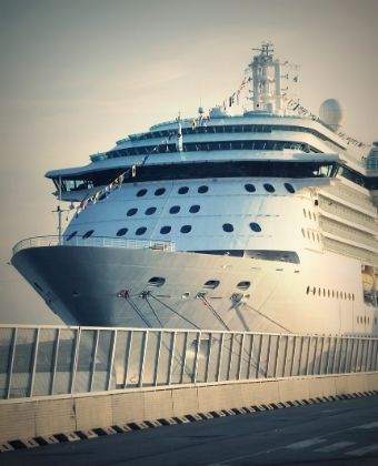 Approaching the cruise for our Barcelona tours from cruise ship