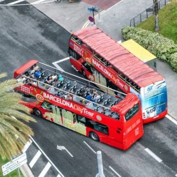 Barcelona by bus: Two Bus Turistic buses
